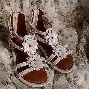 Wonder nation girls sandals 7